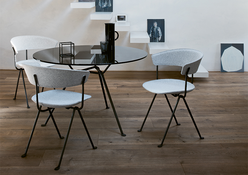 Officina_chair_divina_composition