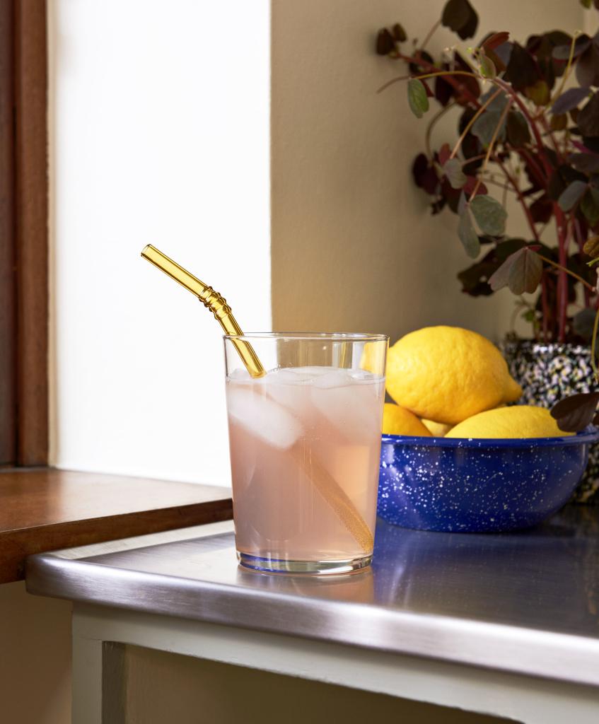 Enamel Bowl dust blue_Sip Swirl_Glass L clear (1)